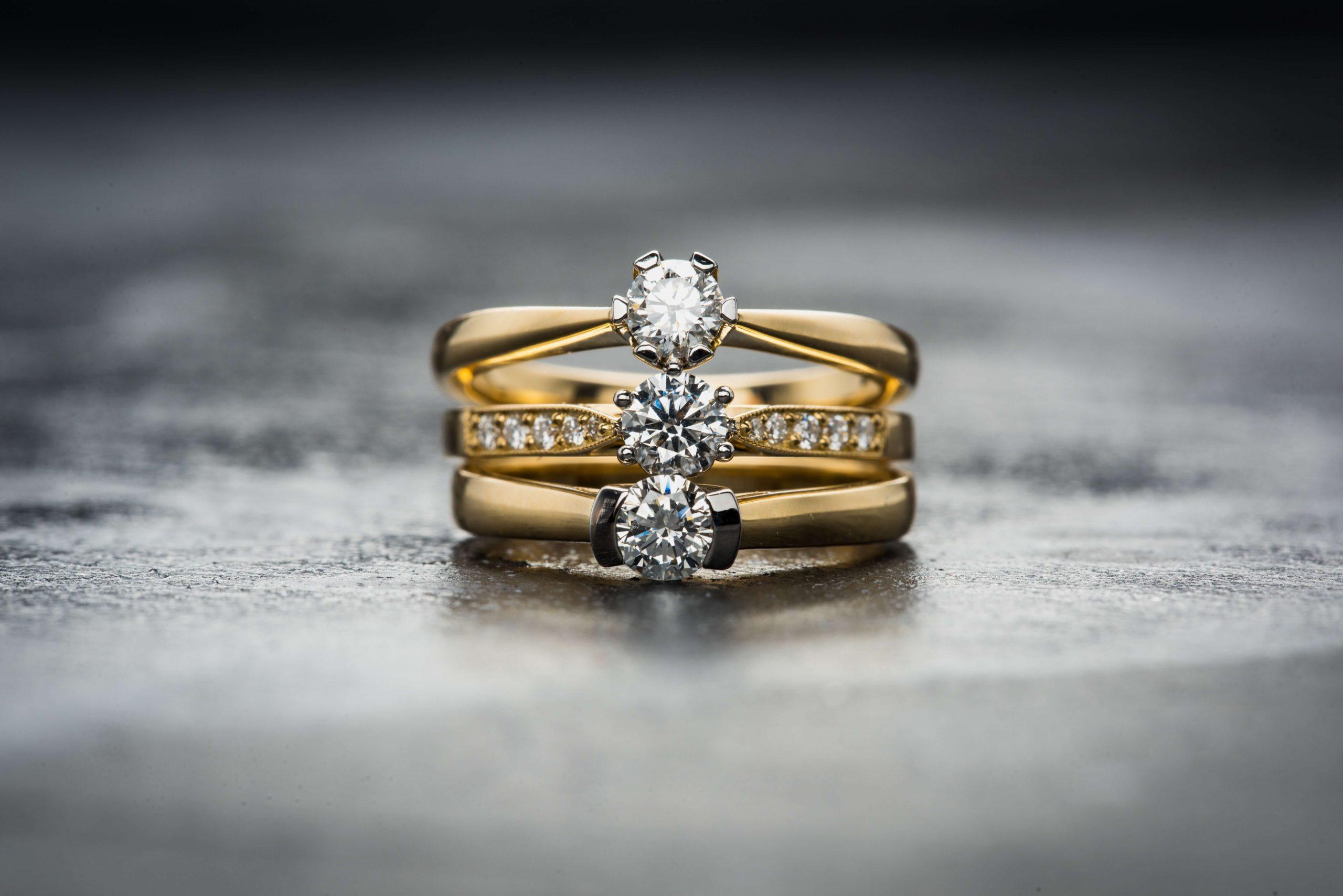 Jak dbać o biżuterię ze stali chirurgicznej?